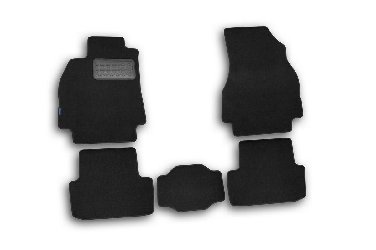 Набор автомобильных ковриков Novline-Autofamily для Renault Megane II, седан, в салон, 5 штVT-1520(SR)Набор автомобильных ковриков Novline-Autofamily, изготовленный из текстиля, состоит из 5 ковриков, которые учитывают все особенности каждой модели автомобиля и полностью повторяют контуры пола. Текстильные автомобильные коврики для салона произведены из высококачественного материала, который держит форму, прочный и не пачкает обувь. Коврики в салон не только улучшат внешний вид салона вашего автомобиля, но и надежно уберегут его от пыли, грязи и сырости, а значит, защитят кузов от коррозии. Текстильные коврики для автомобиля мягкие и приятные, а их основа из вспененного полиуретана не пропускает влагу. Ковры для автомобилей надежно крепятся на полу и не скользят, что очень важно во время движения. Чистятся коврики очень просто: как при помощи автомобильного пылесоса, так и различными моющими средствами. Набор подходит для Renault Megane II седан.