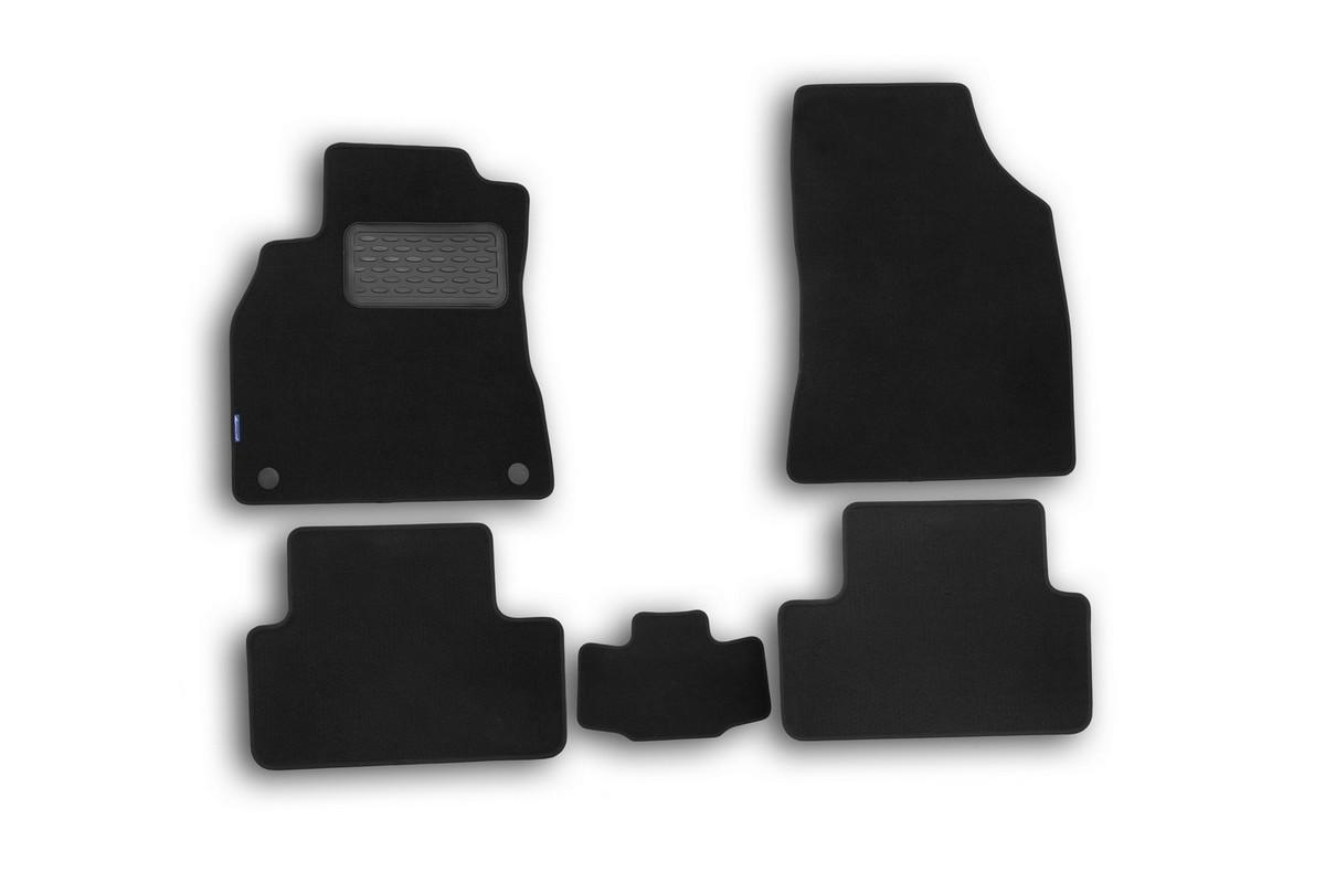 Набор автомобильных ковриков Novline-Autofamily для Renault Fluence 2010-, седан, 5 шт54 009318Набор автомобильных ковриков Novline-Autofamily, изготовленный из текстиля, состоит из 5 ковриков, которые учитывают все особенности каждой модели автомобиля и полностью повторяют контуры пола. Текстильные автомобильные коврики для салона произведены из высококачественного материала, который держит форму, прочный и не пачкает обувь. Коврики в салон не только улучшат внешний вид салона вашего автомобиля, но и надежно уберегут его от пыли, грязи и сырости, а значит, защитят кузов от коррозии. Текстильные коврики для автомобиля мягкие и приятные, а их основа из вспененного полиуретана не пропускает влагу. Ковры для автомобилей надежно крепятся на полу и не скользят, что очень важно во время движения. Чистятся коврики очень просто: как при помощи автомобильного пылесоса, так и различными моющими средствами. Набор подходит для Renault Fluence седан c 2010 года выпуска.