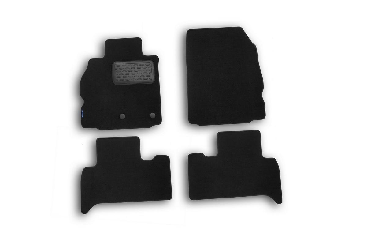 Набор автомобильных ковриков Novline-Autofamily для Renault Scenic III 2010-, хэтчбек, в салон, цвет: черный, 4 штNLT.41.23.11.110khНабор автомобильных ковриков Novline-Autofamily, изготовленный из текстиля, состоит из 4 ковриков, которые учитывают все особенности каждой модели автомобиля и полностью повторяют контуры пола. Текстильные автомобильные коврики для салона произведены из высококачественного материала, который держит форму, прочный и не пачкает обувь. Коврики в салон не только улучшат внешний вид салона вашего автомобиля, но и надежно уберегут его от пыли, грязи и сырости, а значит, защитят кузов от коррозии. Текстильные коврики для автомобиля мягкие и приятные, а их основа из вспененного полиуретана не пропускает влагу. Ковры для автомобилей надежно крепятся на полу и не скользят, что очень важно во время движения. Чистятся коврики очень просто: как при помощи автомобильного пылесоса, так и различными моющими средствами. Набор подходит для Renault Scenic III хэтчбек с 2010 года выпуска.