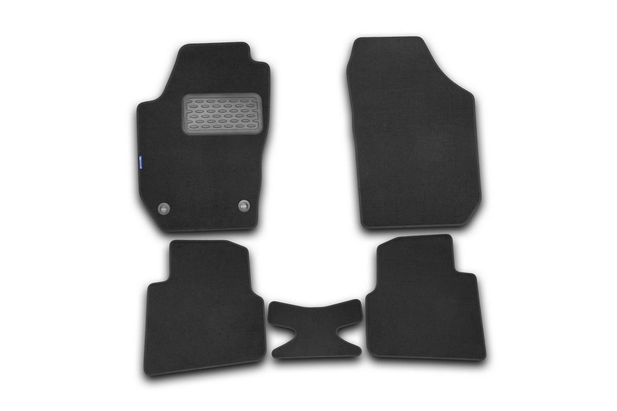 Набор автомобильных ковриков Novline-Autofamily для Skoda Roomster 2006-, универсал, в салон, цвет: черный, 5 шт. NLT.45.07.11.110khELEMENT3D4141210kНабор автомобильных ковриков Novline-Autofamily, изготовленный из текстиля, состоит из 5 ковриков, которые учитывают все особенности каждой модели автомобиля и полностью повторяют контуры пола. Текстильные автомобильные коврики для салона произведены из высококачественного материала, который держит форму, прочный и не пачкает обувь. Коврики в салон не только улучшат внешний вид салона вашего автомобиля, но и надежно уберегут его от пыли, грязи и сырости, а значит, защитят кузов от коррозии. Текстильные коврики для автомобиля мягкие и приятные, а их основа из вспененного полиуретана не пропускает влагу. Ковры для автомобилей надежно крепятся на полу и не скользят, что очень важно во время движения. Чистятся коврики очень просто: как при помощи автомобильного пылесоса, так и различными моющими средствами. Набор подходит для Skoda Roomster универсал с 2006 года выпуска.