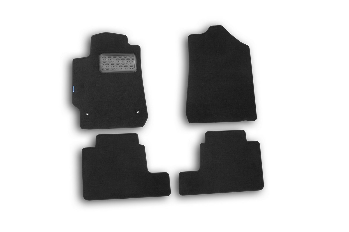Набор автомобильных ковриков Novline-Autofamily для Toyota Camry 2006-2011, седан, в салон, цвет: черный, 4 штNLC.28.05.212hНабор автомобильных ковриков Novline-Autofamily, изготовленный из текстиля, состоит из 4 ковриков, которые учитывают все особенности каждой модели автомобиля и полностью повторяют контуры пола. Текстильные автомобильные коврики для салона произведены из высококачественного материала, который держит форму, прочный и не пачкает обувь. Коврики в салон не только улучшат внешний вид салона вашего автомобиля, но и надежно уберегут его от пыли, грязи и сырости, а значит, защитят кузов от коррозии. Текстильные коврики для автомобиля мягкие и приятные, а их основа из вспененного полиуретана не пропускает влагу. Ковры для автомобилей надежно крепятся на полу и не скользят, что очень важно во время движения. Чистятся коврики очень просто: как при помощи автомобильного пылесоса, так и различными моющими средствами. Набор подходит для Toyota Camry седан 2006-2011 годов выпуска.