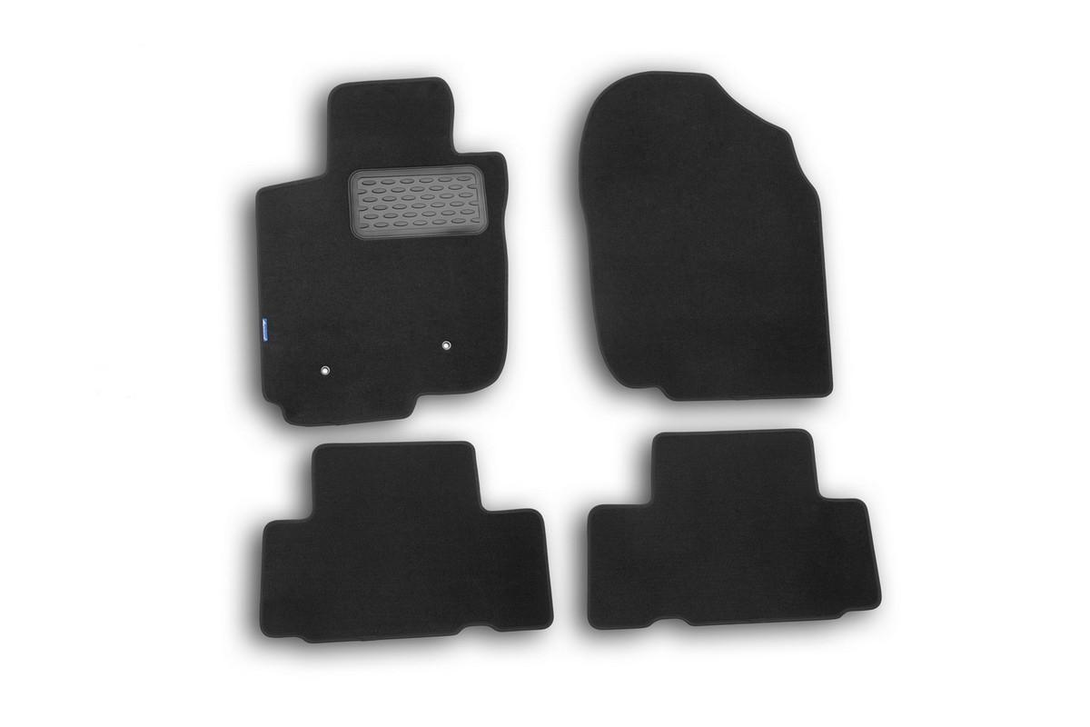Набор автомобильных ковриков Novline-Autofamily для Toyota Rav 4 2010-, универсал, в салон, 4 шт. NLT.48.55.11.110khFS-80264Набор автомобильных ковриков Novline-Autofamily, изготовленный из текстиля, состоит из 4 ковриков, которые учитывают все особенности каждой модели автомобиля и полностью повторяют контуры пола. Текстильные автомобильные коврики для салона произведены из высококачественного материала, который держит форму, прочный и не пачкает обувь. Коврики в салон не только улучшат внешний вид салона вашего автомобиля, но и надежно уберегут его от пыли, грязи и сырости, а значит, защитят кузов от коррозии. Текстильные коврики для автомобиля мягкие и приятные, а их основа из вспененного полиуретана не пропускает влагу. Ковры для автомобилей надежно крепятся на полу и не скользят, что очень важно во время движения. Чистятся коврики очень просто: как при помощи автомобильного пылесоса, так и различными моющими средствами. Набор подходит для Toyota Rav 4 универсал 2010 года выпуска.