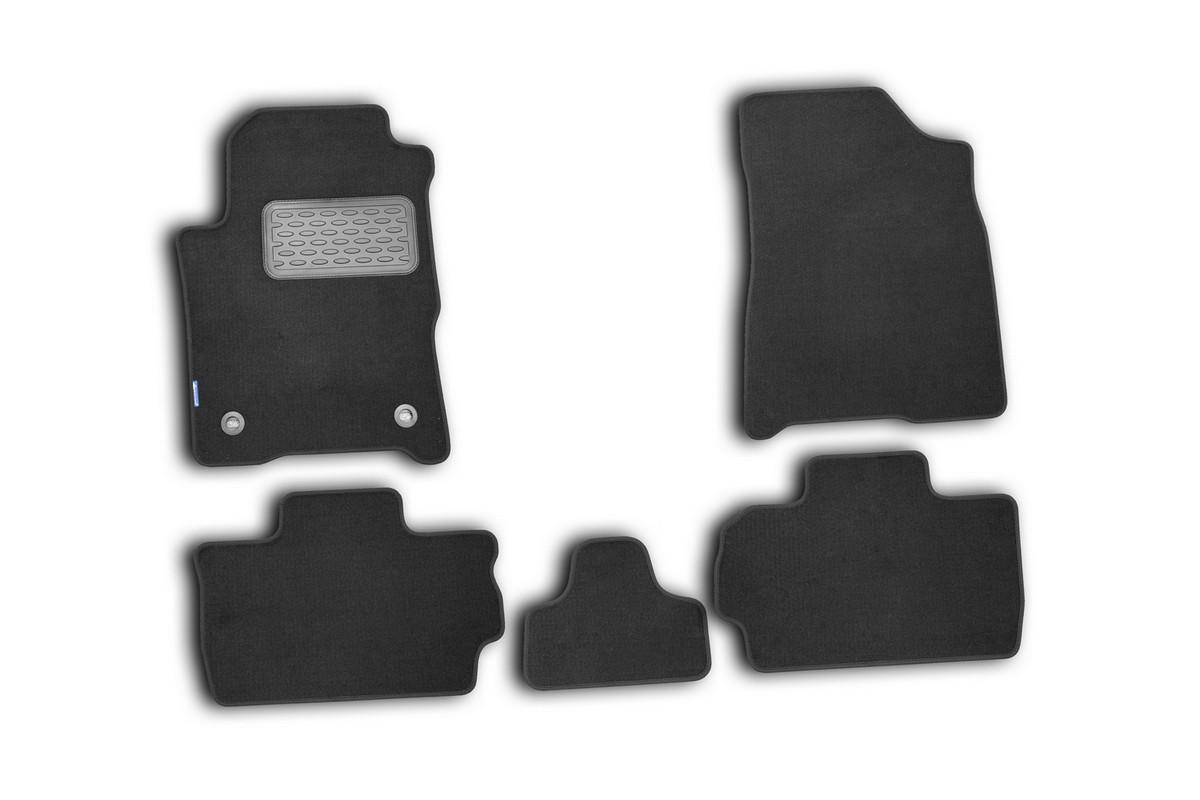 Набор автомобильных ковриков Novline-Autofamily для Chery Bonus A13 2010-, седан/хэтчбек, в салон, 5 штВетерок 2ГФНабор автомобильных ковриков Novline-Autofamily, изготовленный из текстиля, состоит из 5 ковриков, которые учитывают все особенности каждой модели автомобиля и полностью повторяют контуры пола. Текстильные автомобильные коврики для салона произведены из высококачественного материала, который держит форму, прочный и не пачкает обувь. Коврики в салон не только улучшат внешний вид салона вашего автомобиля, но и надежно уберегут его от пыли, грязи и сырости, а значит, защитят кузов от коррозии. Текстильные коврики для автомобиля мягкие и приятные, а их основа из вспененного полиуретана не пропускает влагу. Ковры для автомобилей надежно крепятся на полу и не скользят, что очень важно во время движения. Чистятся коврики очень просто: как при помощи автомобильного пылесоса, так и различными моющими средствами. Набор подходит для Chery Bonus A13 седан/хэтчбек с 2010 года выпуска.