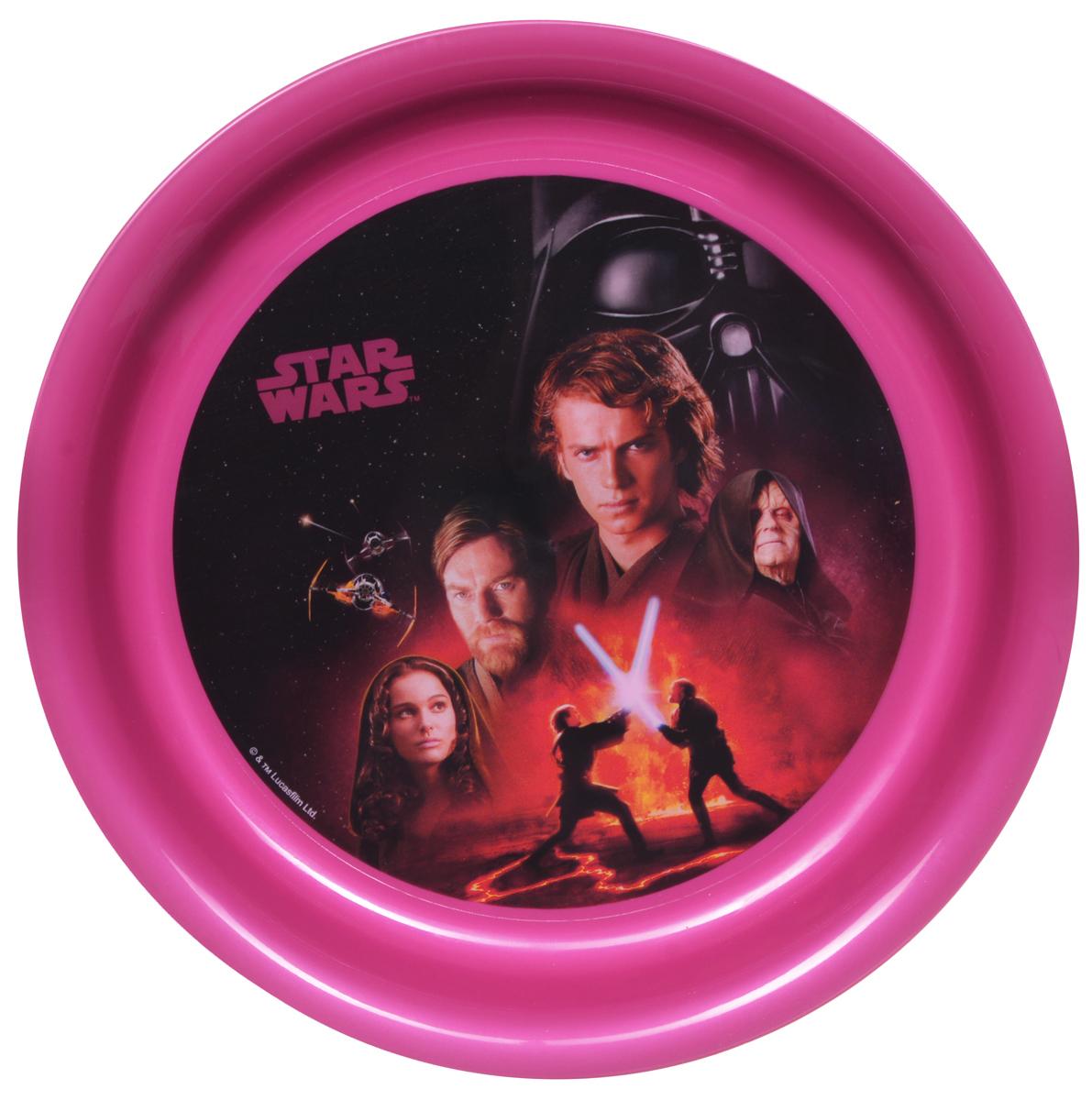 Star Wars Тарелка детская диаметр 19 см4/412_розовый/котДетская тарелка Star Wars станет отличным подарком для любого фаната знаменитой саги. Она выполнена из полипропилена и оформлена рисунком с изображением героев фильма Звездные войны. Диаметр тарелки: 19 см. Не подходит для использования в посудомоечной машине и СВЧ-печи.