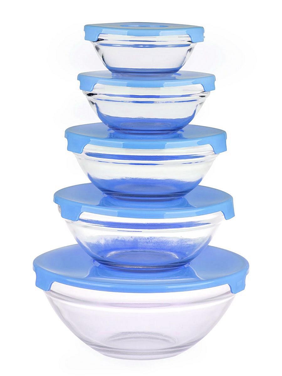 Набор салатников Miolla, с крышками, цвет: прозрачный, голубой, 5 шт2003290U_прозрачный, голубойНабор Miolla состоит из 5 круглых салатников, выполненных из прочного стекла, и 5 пластиковых крышек. Изделия прекрасно подходят для сервировки салатов и закусок, маленькие салатники идеальны для подачи соусов. Поверхность изделий гладкая и ровная, легко чистится. Салатники снабжены плотно закрывающимися крышками, благодаря которым продукты удобно хранить в холодильнике. Такой набор станет практичным приобретением для вашей кухни. Изделия можно мыть в посудомоечной машине. Не использовать в СВЧ и на открытом огне. Диаметр салатников: 9 см, 11 см, 13 см, 14 см, 17 см. Высота салатников: 3,5 см, 4 см, 5 см, 5,5 см, 7 см.