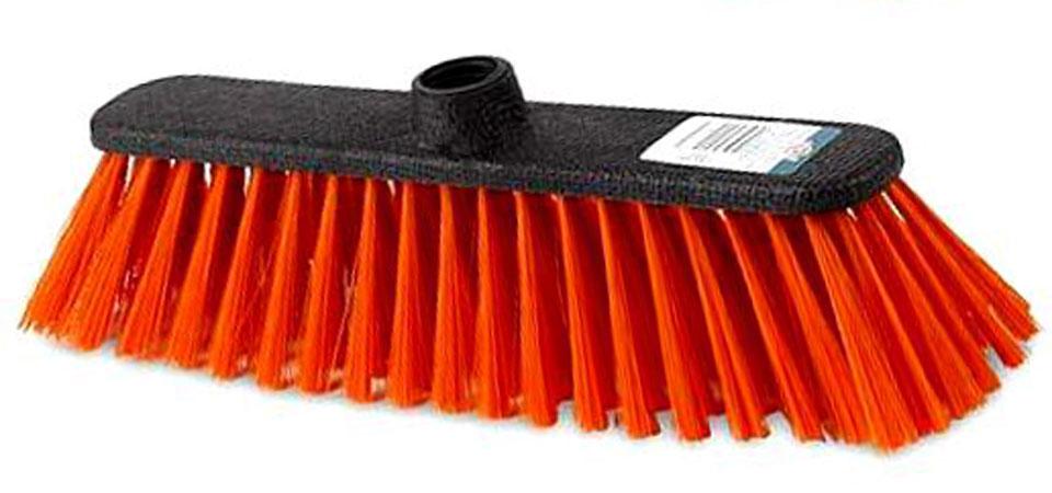 Щетка York Centi, без ручки, цвет: оранжевыйS03201005Щетка York Centi изготовлена из пластика и предназначена для уборки сухого мусора. Щетка оснащена универсальной резьбой, которая подходит ко всем видам ручек. Упругий и длинный ворс позволит собрать мусор из самых труднодоступных мест.Ширина щетки: 27 см.Длина ворса: 7 см.Диаметр отверстия под ручку: 2,2 см.