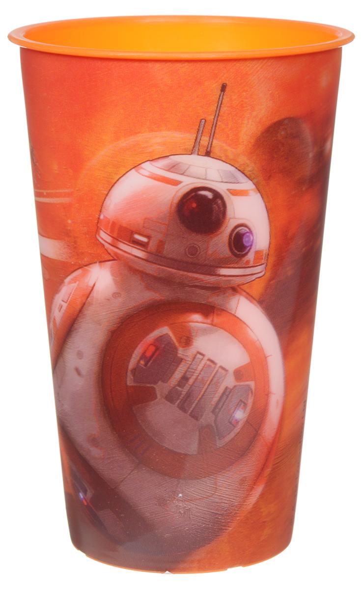 Star Wars Стакан детский Роботы 600 млFS-91909Детский стакан Star Wars Роботы станет отличным подарком для любого фаната знаменитой саги. Он выполнен из полипропилена и оформлен 3D-рисунком с изображением роботов из фильма Звездные войны: Пробуждение силы. Объем стакана: 600 мл. Не подходит для использования в посудомоечной машине и СВЧ-печи.