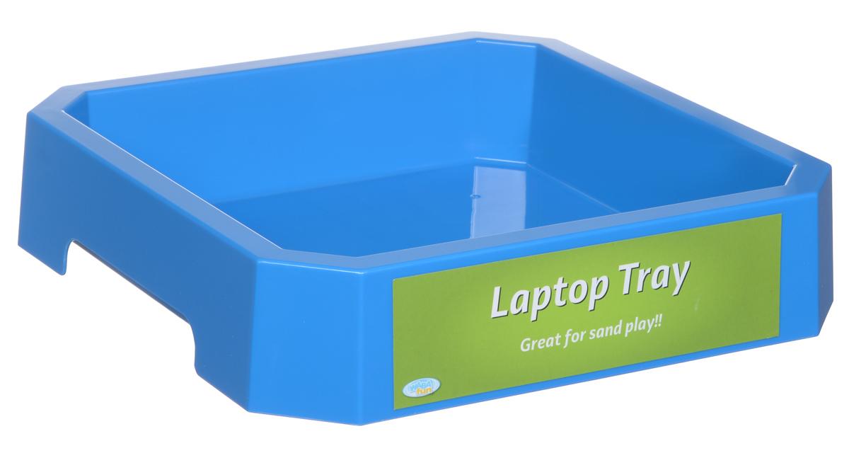 """Песочница Waba Fun """"Laptop Tray"""" изготовлена из пластика. Изделие предназначено для игры с кинетическим песком и смесью для лепки. Вам потребуется дополнительное оборудование, чтобы избежать рассыпания песка и кусочков смеси вокруг ребенка. Песочница устойчива, имеет квадратную форму со скошенными углами. Размер песочницы: 26,5 см х 26,5 см х 6 см."""