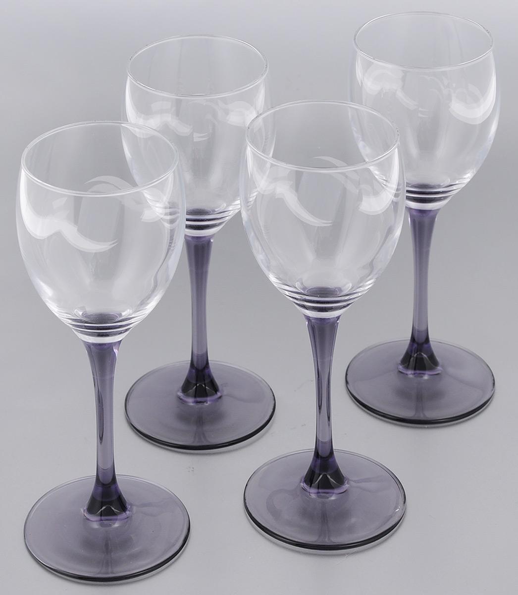 Набор фужеров для вина Luminarc Sweet Lilac, 190 мл, 4 штVT-1520(SR)Набор Luminarc Sweet Lilac состоит из четырех фужеров, выполненных из прочного стекла. Изделия оснащены высокими ножками. Фужеры предназначены для подачи вина. Они сочетают в себе элегантный дизайн и функциональность. Благодаря такому набору пить напитки будет еще вкуснее.Набор фужеров Luminarc Sweet Lilac прекрасно оформит праздничный стол и создаст приятную атмосферу за романтическим ужином. Такой набор также станет хорошим подарком к любому случаю. Диаметр фужера (по верхнему краю): 6 см. Высота фужера: 18,5 см.