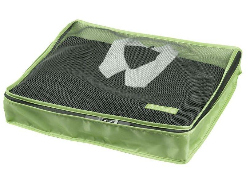Органайзер для одежды Miolla, цвет: зеленый, 45 см х 35 см х 8,5 смSO00386_салатовыйОрганайзер для одежды Miolla изготовлен из полиэстера с водоотталкивающей поверхностью. Изделие сверху имеет сетку, благодаря чему происходит естественная циркуляция воздуха. Предназначен для хранения легкой одежды - маек, футболок, рубашек и кофточек. Органайзер закрывается на молнию по всему периметру. Незаменимый аксессуар для путешествий, переездов и домашнего хранения.