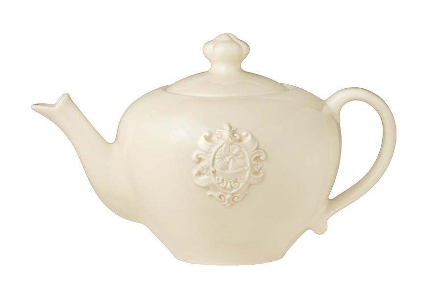 Чайник заварочный Nuova Cer Аральдо, цвет: бежевый, 1 л1303790Заварочный чайник Nuova Cer Аральдо изготовлен из высококачественной керамики. Глазурованное покрытие обеспечивает легкую очистку. Изделие прекрасно подходит для заваривания вкусного и ароматного чая, а также травяных настоев. Отверстия в основании носика препятствует попаданию чаинок в чашку. Оригинальный дизайн сделает чайник настоящим украшением стола. Он удобен в использовании и понравится каждому.Можно мыть в посудомоечной машине и использовать в микроволновой печи.Диаметр чайника (по верхнему краю): 8,5 см.Высота чайника (без учета крышки): 12 см.Высота чайника (с учетом крышки): 16 см.Ширина чайника (с учетом ручки и носика): 25 см.