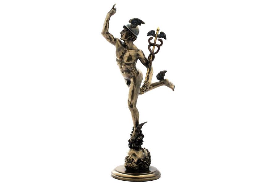 Статуэтка Veronese Гермес, высота 37,5 см37915Декоративная статуэтка Veronese Гермес изготовлена из полистоуна бронзового цвета. Изделие выполнено в виде древнегреческого бога ловкости и красноречия - Гермеса, в крылатых сандалиях и со своим традиционным жезлом (кадуцей).Вы можете поставить статуэтку в любом месте, где она будет удачно смотреться и радовать глаз. Такая фигурка прекрасно дополнит интерьер офиса или дома. Veronese - это торговая марка, представляющая широкий ассортимент художественных изделий из полистоуна, выполненных по эскизам итальянских дизайнеров и художников.