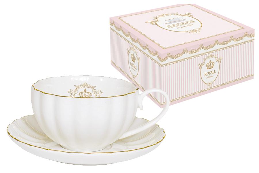 Чайная пара Nuova R2S Роял, 2 предмета115510Чайная пара Nuova R2S Роял состоит из чашки и блюдца, изготовленных из высококачественного фарфора. Изделия оформлены золотистой каймой и имеют изысканный внешний вид. Такой набор прекрасно дополнит сервировку стола к чаепитию и подчеркнет ваш безупречный вкус. Объем чашки: 200 мл.
