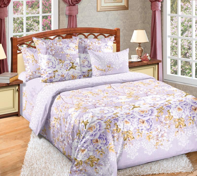 Комплект белья Текс-Дизайн Белый шиповник 3, семейный, наволочки 70х7015п-1MRВеликолепное постельное белье Текс-Дизайн Белый шиповник 3 выполнено из высококачественного перкаля (100% хлопок) и украшено роскошным цветочным рисунком. Комплект состоит из двух пододеяльников, простыни и двух наволочек. Перкаль - это тонкая и легкая хлопчатобумажная ткань высокой плотности полотняного переплетения, сотканная из пряжи высоких номеров. При изготовлении перкаля используются длинноволокнистые сорта хлопка, что обеспечивает высокие потребительские свойства материала. Несмотря на свою утонченность, перкаль очень практичен - это одна из самых износостойких тканей для постельного белья.