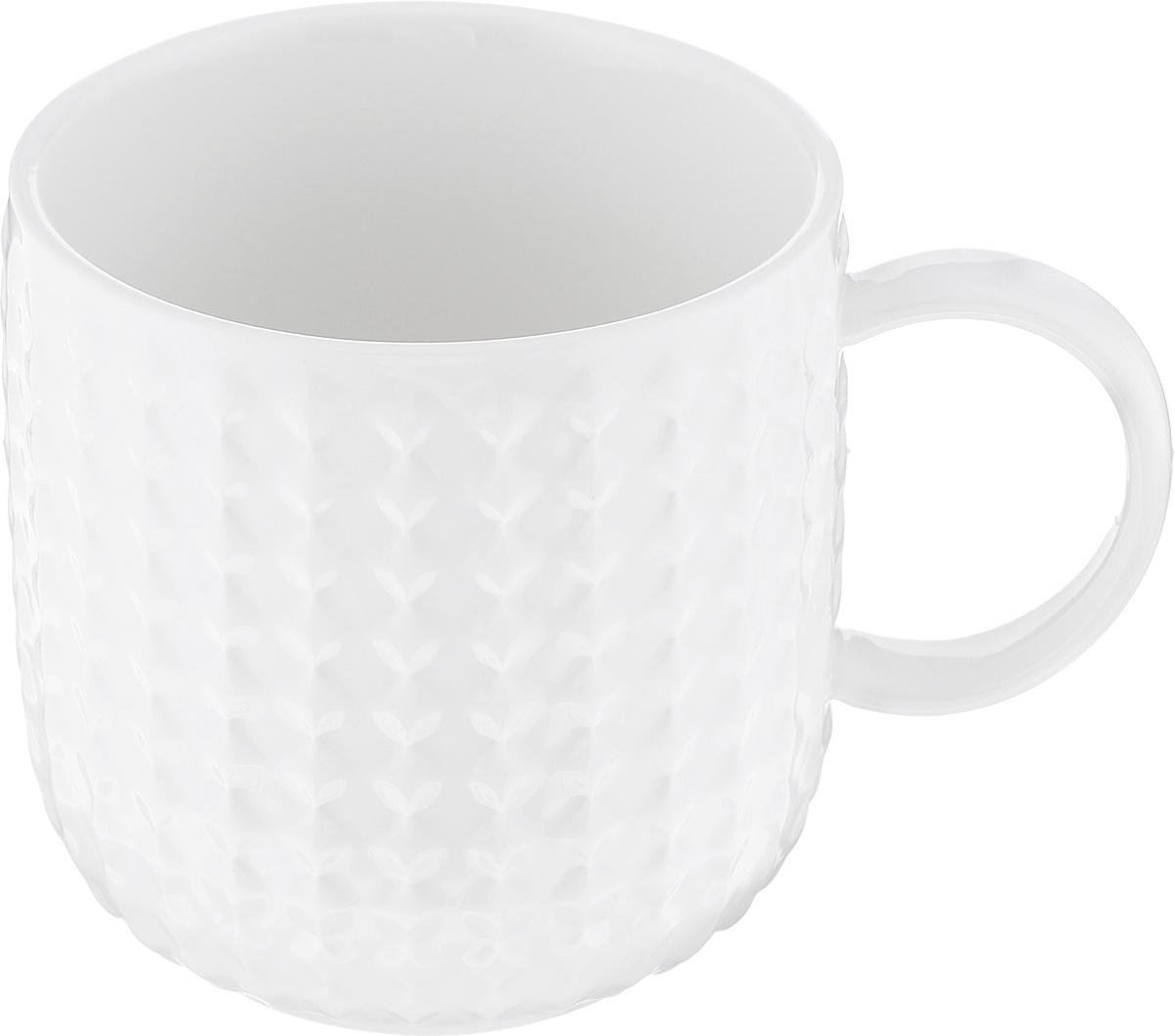 Кружка Walmer Sapphire, цвет: белый, 350 мл115510Кружка Walmer Sapphire изготовлена из экологически чистого фарфора. Изделие оформлено изысканным рельефным орнаментом. Такая кружка прекрасно оформит стол к чаепитию и станет его неизменным атрибутом. Можно использовать в посудомоечной машине и СВЧ.Диаметр (по верхнему краю): 8 см.Диаметр основания: 5,5 см.Высота: 8,2 см.