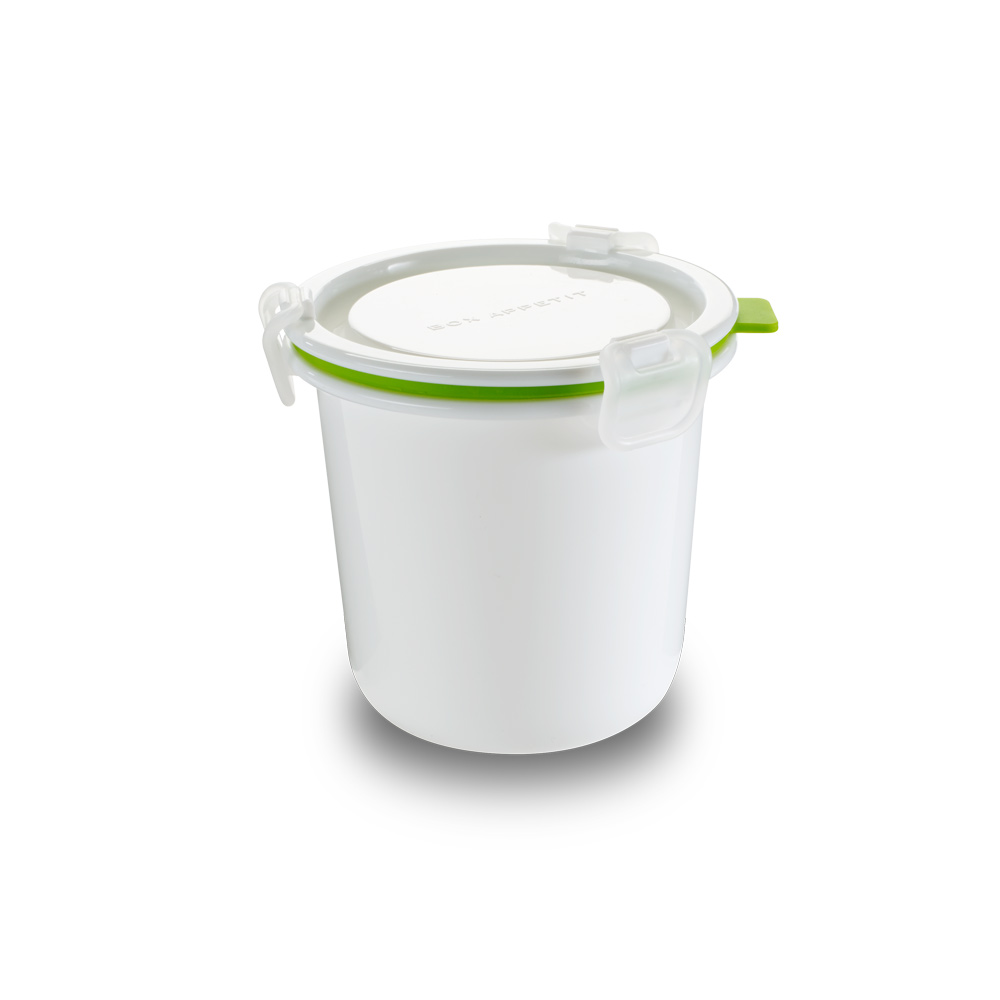 Ланч-бокс Lunch Pot Single белый/ зеленый. BAP-BP00179 02471Дизайн является частью линейки контейнеров и ланчбоксов бренда black + blum, специально разработанных, чтобы их размер и форма отвечали всем необходимым требованиям. Контейнер имеет несколько внутренних отделений, поэтому можно разделять еду, если это нужно. Сам дизайн практичный, надёжный и очень функциональный. Его внешний вид вдохновлён винтажной посудой из эмали и имеет всегда актуальную ноту ретро в современном прочтении. Сделан из безопасных полипропилена и силикона (без содержания BPA).Можно использовать в микроволновой печи и мыть в посудомоечной машине.
