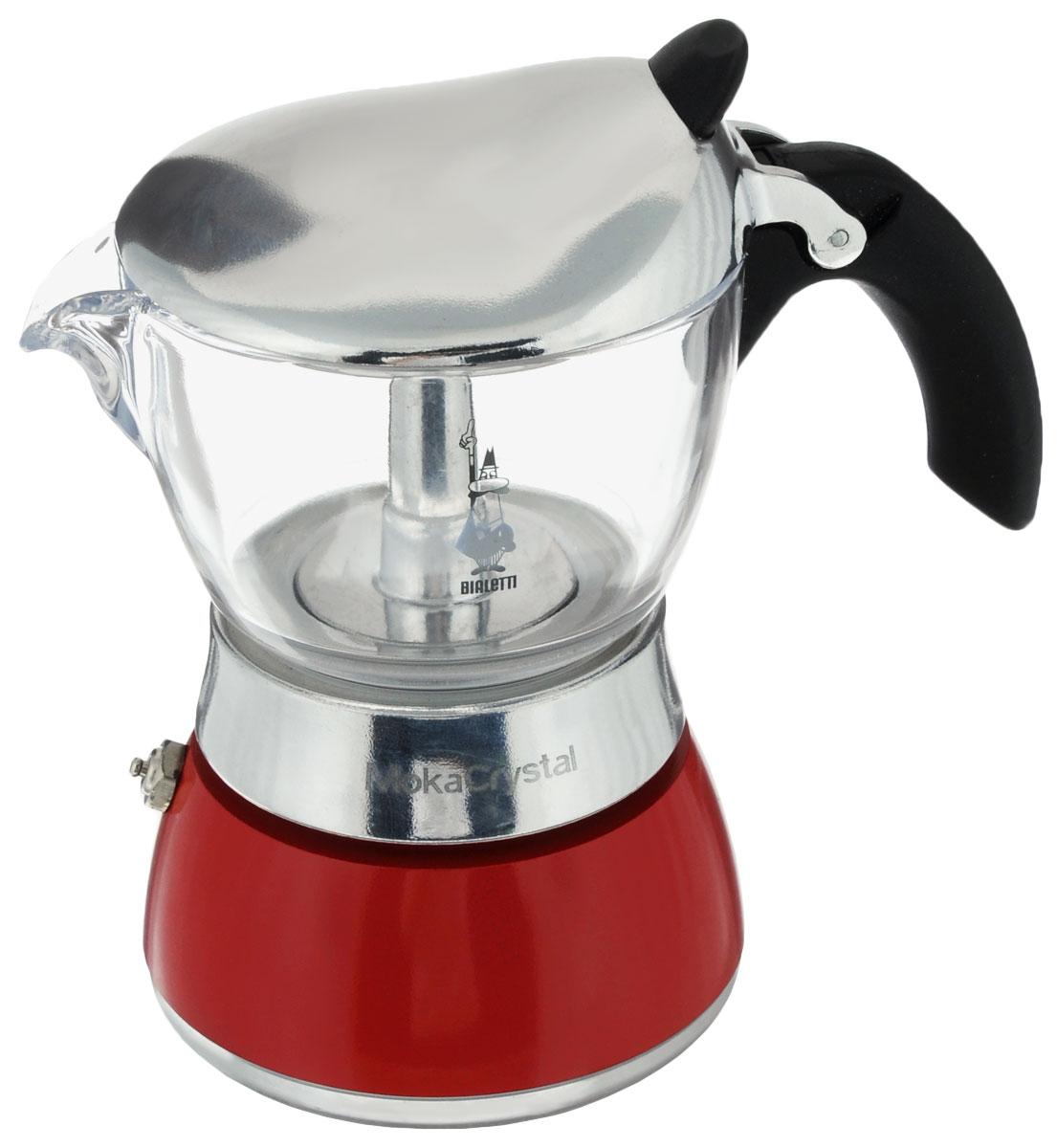 Кофеварка гейзерная Bialetti Moka Crystal, цвет: красный, прозрачный, на 3 чашки54 009312Компактная гейзерная кофеварка Bialetti Moka Crystal изготовлена из высококачественного алюминия. С помощью прозрачного стекла верхней части вам удобно будет наблюдать за процессом приготовления эспрессо. Объема кофе хватает на 3 чашки. Изделие оснащено удобной ручкой из бакелита.Принцип работы такой гейзерной кофеварки - кофе заваривается путем многократного прохождения горячей воды или пара через слой молотого кофе. Удобство кофеварки в том, что вся кофейная гуща остается во внутренней емкости. Гейзерные кофеварки пользуются большой популярностью благодаря изысканному аромату. Кофе получается крепкий и насыщенный. Теперь и дома вы сможете насладиться великолепным эспрессо. Подходит для газовых, электрических и стеклокерамических плит. Нельзя мыть в посудомоечной машине. Высота (с учетом крышки): 15,5 см.