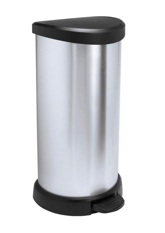 Контейнер для мусора Curver Deco Bin, с педалью, цвет: серебристый металлик, черный, 40 л391602Мусорный контейнер Curver Deco Bin может стать декоративным элементом в помещении. Контейнер, выполненный из прочного пластика, не боится ударов и долгих лет использования. Изделие оснащено педалью, с помощью которой можно открыть крышку. Закрывается крышка бесшумно, плотно прилегает, предотвращая распространение запаха. Изделие оснащено кольцом для зажима мусорных пакетов. Его интересный дизайн разнообразит интерьер кухни и сделает его более оригинальным.