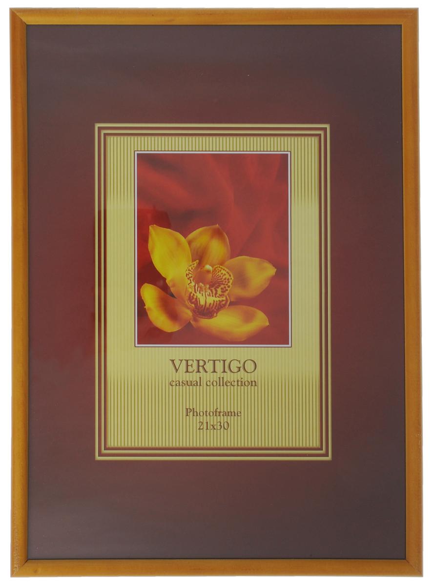Фоторамка Vertigo Veneto, цвет: желтый, 21 см х 30 смNLED-441-7W-BKФоторамка Vertigo Veneto выполнена в классическом стиле из натурального дерева и стекла, защищающего фотографию. Обратная сторона изделия оснащена двумя специальными отверстиями для подвешивания и ножкой-подставкой. Такая фоторамка поможет вам оригинально и стильно дополнить интерьер помещения, а также позволит сохранить память о дорогих вам людях и интересных событиях вашей жизни.