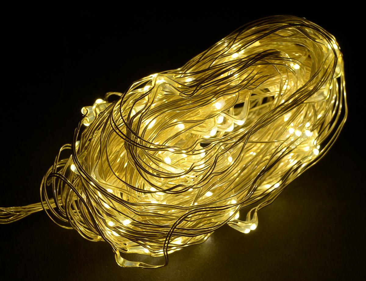 Гирлянда электрическая Kosmos Роса, цвет: белый, 180 светодиодов, 4,3 мLED-BP-2024-220V REDНовогодняя электрическая гирлянда Kosmos Роса выполнена из меди и пластика в виде нити. Такая гирлянда украсит ваш дом изнутри. Уникальная инновационная гирлянда, представляющая собой россыпь мельчайших светодиодов на тонких медных нитях, похожих на капли росы, и при включении, создающих иллюзию еле заметного танца летающих светлячков, завораживающих взгляд. Оригинальный дизайн и красочное исполнение создадут праздничное настроение. Откройте для себя удивительный мир сказок и грез. Почувствуйте волшебные минуты ожидания праздника, создайте новогоднее настроение вашим дорогим и близким.Напряжение: 230 ВКоличество светодиодов: 180 шт.Мощность свечения: 200 лмКоличество нитей: 6 шт.Длина нитей: 2,85 мДлина провода с разъемом и адаптером: 1,5 м
