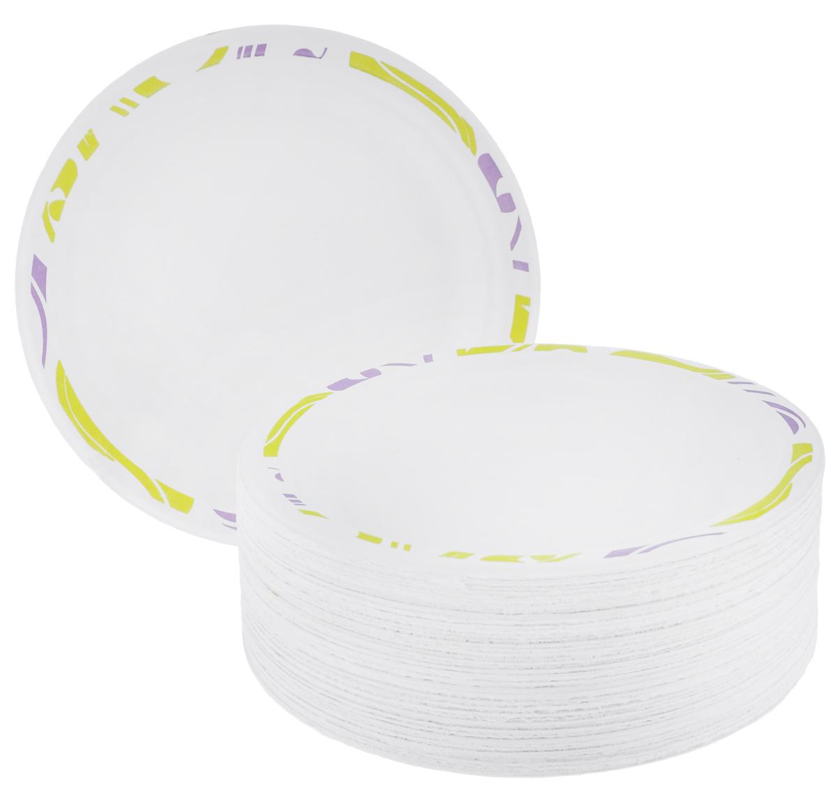 Набор одноразовых тарелок Chinet Flavour, цвет: белый, светло-зеленый, диаметр 17 см, 50 штVT-1520(SR)Набор Flavour Chinet  состоит из 50 круглых тарелок, выполненных из плотной бумаги и предназначенных для одноразового использования. Изделия декорированы оригинальным узором. Одноразовые тарелки будут незаменимы при поездках на природу, пикниках и других мероприятиях. Они не займут много места, легки и самое главное - после использования их не надо мыть.Диаметр тарелки: 17 см.Высота тарелки: 1,5 см.