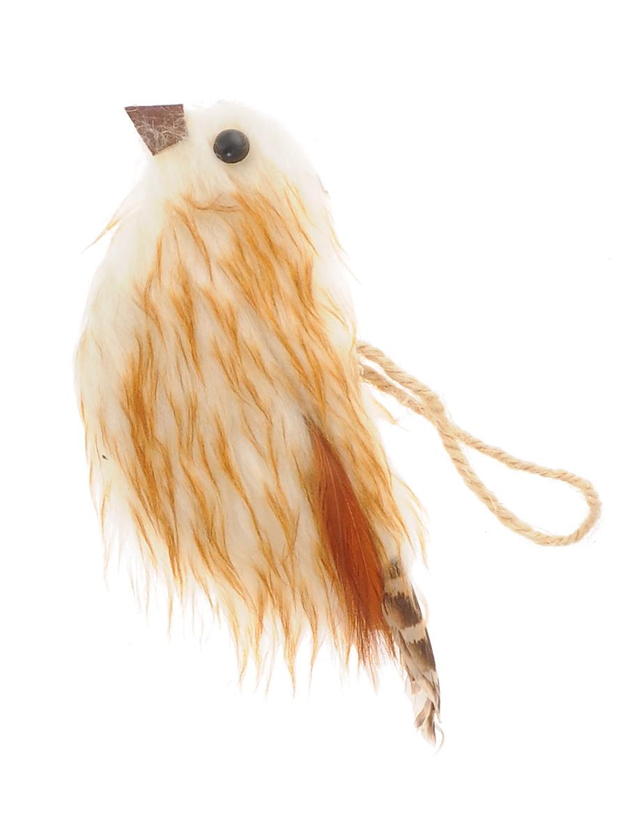 Новогоднее подвесное украшение Winter Wings ПтичкаNLED-454-9W-BKПодвесное украшение Winter Wings Птичка станет отличным новогодним украшением на елку. Изделие выполнено из пушистого полиэстера в виде птички и декорировано перышками. Подвешивается на елку с помощью текстильной петельки. Ваша зеленая красавица с таким украшением будет выглядеть стильно и волшебно. Создайте в своем доме по-настоящему сказочную атмосферу. Кроме того, это украшение может стать не только деталью интерьера в квартире, но и актуальным подарком для ваших друзей и родных.