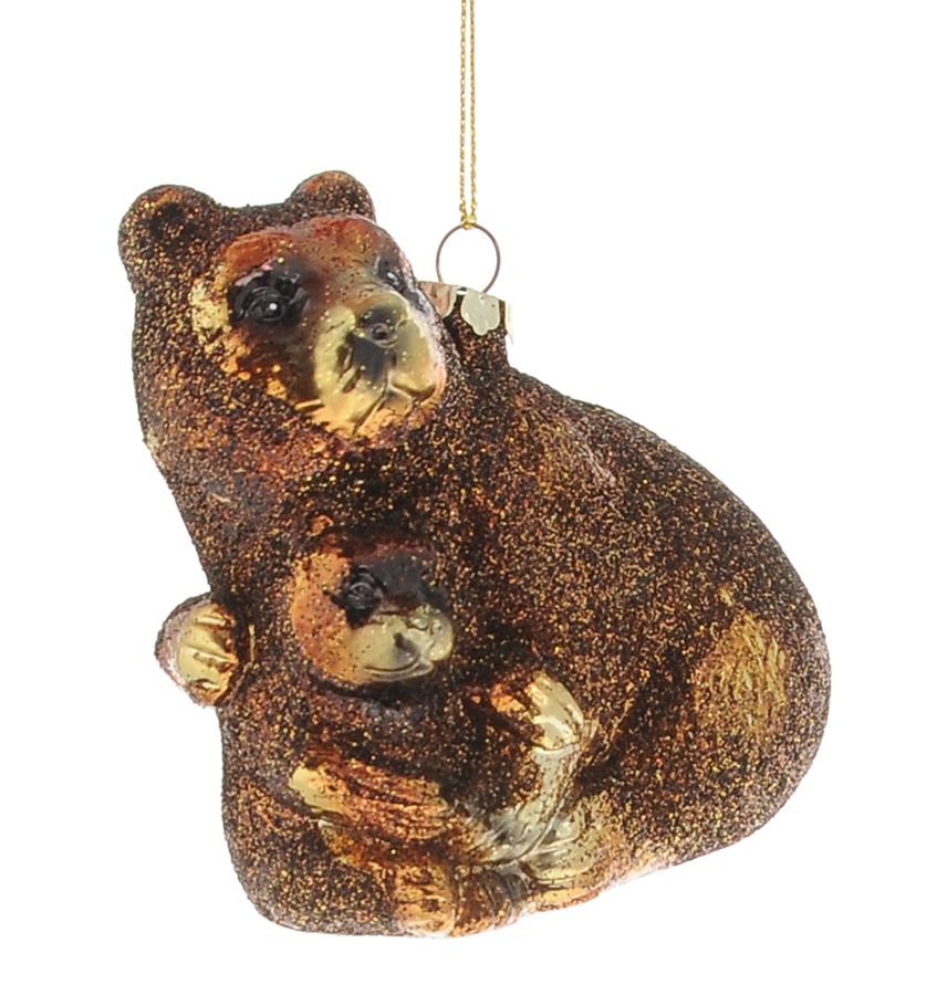 Новогоднее подвесное украшение Winter Wings Медведь09840-20.000.00Подвесное украшение Winter Wings Медведь станет отличным новогодним украшением на елку. Изделие выполнено из пластика в виде медведицы с медвежонком и декорировано сверкающими блестками. Подвешивается на елку с помощью текстильной петельки. Ваша зеленая красавица с таким украшением будет выглядеть стильно и волшебно. Создайте в своем доме по-настоящему сказочную атмосферу.