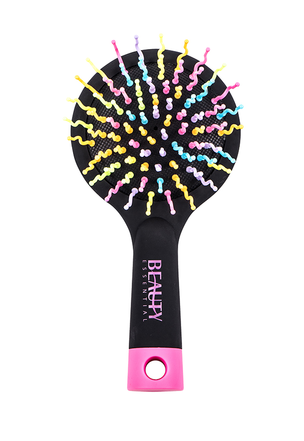 Beauty Essential Маленькая расческа Радуга, чернаяFS-00897Расчески Beauty Essential с радужной щетиной не только бережно расчесывают волосы, но и поднимают настроение! Компактная расческа с зеркалом станет незаменимым предметом в сумочке.