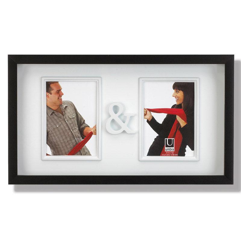 Рамка для двух фотографий Umbra You&Me. 316150-040Брелок для ключейЗамечательная фоторамка для влюбленных и не только. Вмещает две фотографии размером 13х18 см, соединенные символом & - и. Оригинально впишется в Ваш интерьер, украся собой журнальный столик или стену в гостиной.