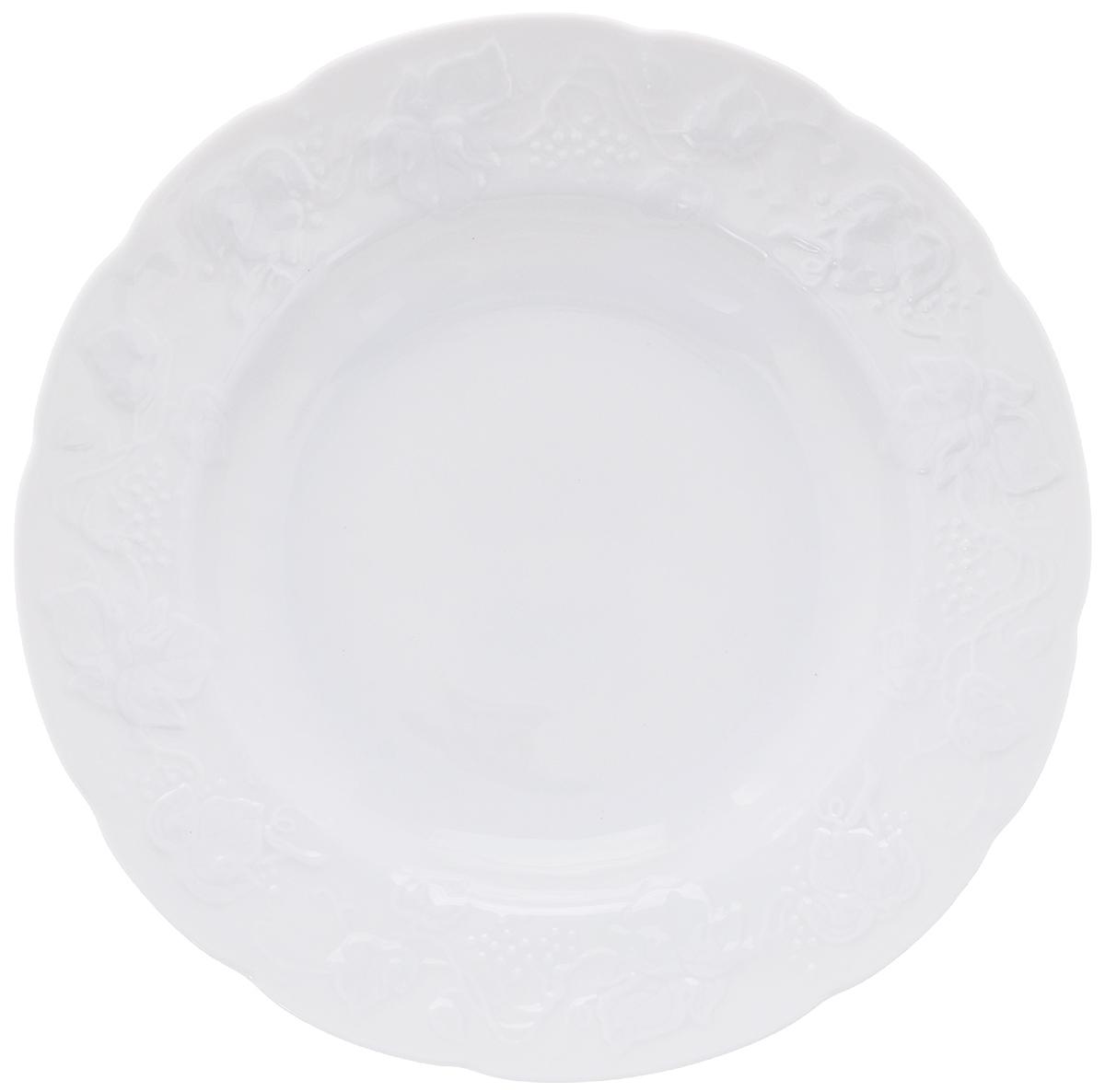 Тарелка десертная Yves De La Rosiere Vendanges, цвет: белый, диаметр 21 см54 009312Тарелка Yves De La Rosiere Vendanges, выполненная из высококачественного фарфора, декорирована рельефным изображением цветов. Изящный дизайн придется по вкусу и ценителям классики, и тем, кто предпочитает утонченность. Тарелка Yves De La Rosiere Vendanges идеально подойдет для сервировки стола и станет отличным подарком к любому празднику.Диаметр тарелки (по верхнему краю): 21 см.