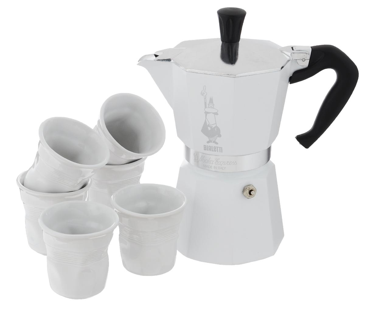 Набор посуды Bialetti Moka, цвет: белый, стальной, 7 предметов115510Набор посуды Bialetti Moka включает в себя гейзерную кофеварку и 6 чашек для кофе.Компактная гейзерная кофеварка изготовлена из высококачественного алюминия. Изделие оснащено удобной ручкой из пластика. Кофейные чашки выполнены из высококачественной керамики.Принцип работы такой гейзерной кофеварки - кофе заваривается путем многократного прохождения горячей воды или пара через слой молотого кофе. Удобство кофеварки в том, что вся кофейная гуща остается во внутренней емкости. Гейзерные кофеварки пользуются большой популярностью благодаря изысканному аромату. Кофе получается крепкий и насыщенный. Теперь и дома вы сможете насладиться великолепным эспрессо. Подходит для газовых, электрических и стеклокерамических плит. Нельзя мыть в посудомоечной машине. Высота кофеварки: 22 см.Диаметр дна кофеварки: 10 см.Диаметр чашек по верхнему краю: 6,5 см.Диаметр дна чашек: 3,7 см.Высота чашек: 6,4 см.
