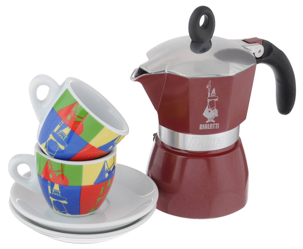 Набор посуды Bialetti Dama Glamour, 5 предметовVT-1520(SR)Набор Bialetti Dama Glamour включает в себя гейзерную кофеварку, 2 кофейные чашки и 2 блюдца.Компактная гейзерная кофеварка изготовлена из высококачественного алюминия. Изделие оснащено удобной ручкой из пластика. Остальные предметы набора выполнены из керамики.Принцип работы такой гейзерной кофеварки - кофе заваривается путем многократного прохождения горячей воды или пара через слой молотого кофе. Удобство кофеварки в том, что вся кофейная гуща остается во внутренней емкости. Кофе получается крепкий и насыщенный. Подходит для газовых, электрических и стеклокерамических плит. Нельзя мыть в посудомоечной машине. Высота кофеварки: 17 см.Диаметр дна кофеварки: 8 см.Диаметр чашек по верхнему краю: 6,2 см.Диаметр дна кружек: 3,5 см.Высота кружек: 5,2 см.Диаметр блюдец: 12 см.