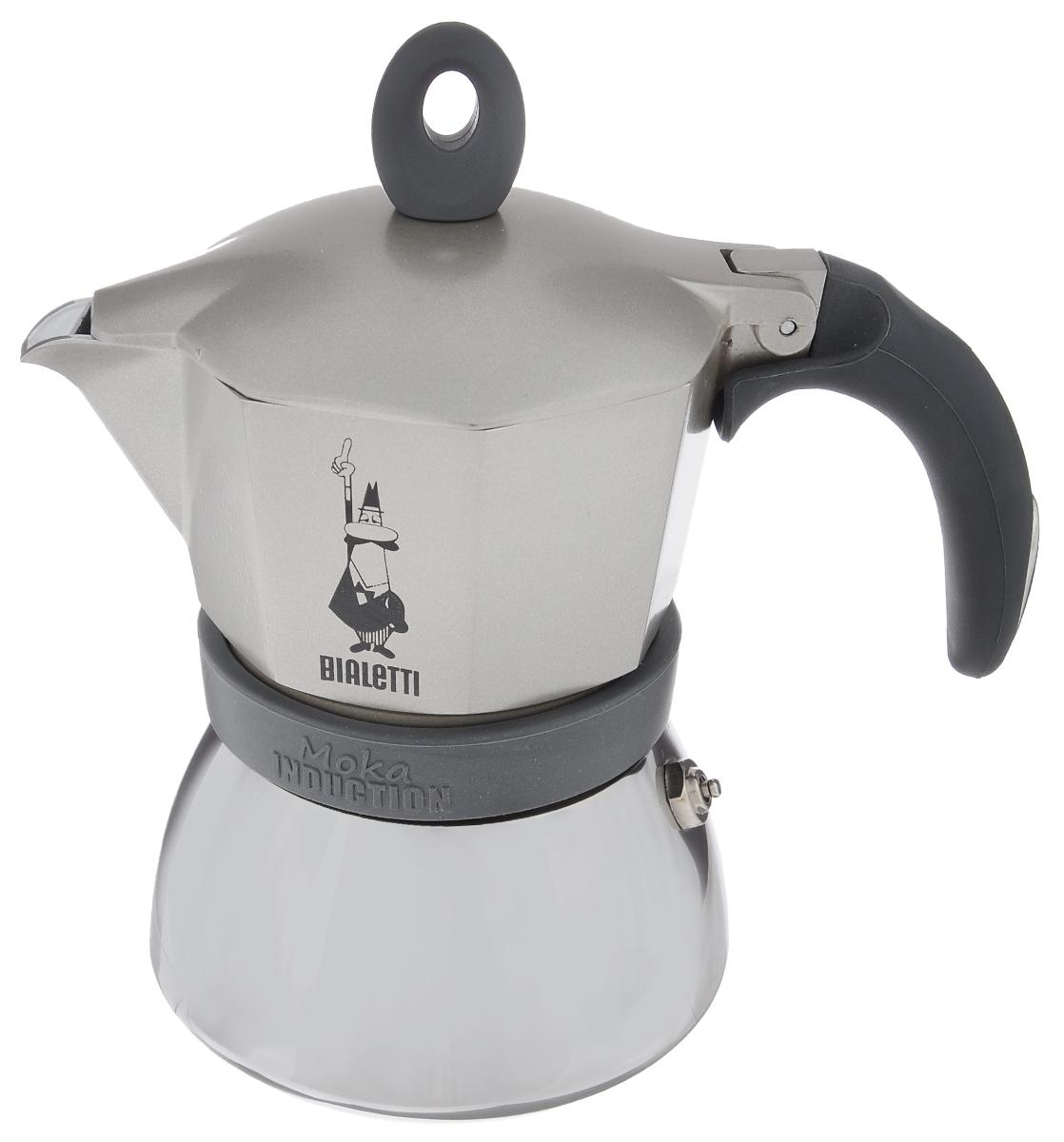 Кофеварка гейзерная Bialetti Moka Induction, цвет: серый, на 3 чашкиVT-1520(SR)Компактная гейзерная кофеварка Bialetti Moka Induction изготовлена из высококачественного алюминия и стали. Объема кофе хватает на 3 чашки. Изделие оснащено удобной обрезиненной ручкой.Принцип работы такой гейзерной кофеварки - кофе заваривается путем многократного прохождения горячей воды или пара через слой молотого кофе. Удобство кофеварки в том, что вся кофейная гуща остается во внутренней емкости. Гейзерные кофеварки пользуются большой популярностью благодаря изысканному аромату. Кофе получается крепкий и насыщенный. Теперь и дома вы сможете насладиться великолепным эспрессо. Подходит для газовых, электрических, стеклокерамическихиндукционных плит. Нельзя мыть в посудомоечной машине. Высота (с учетом крышки): 17 см.