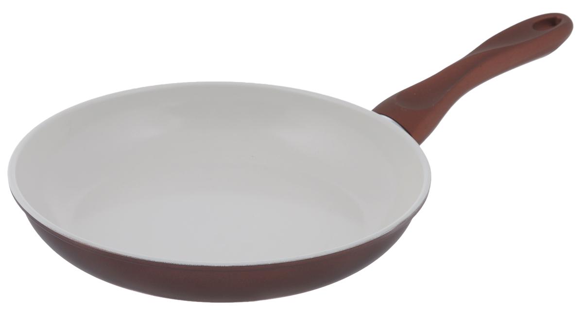 Сковорода Mayer & Boch, с керамическим покрытием, цвет: бронзовый, белый. Диаметр 26 см68/5/4Сковорода Mayer & Boch изготовлена из углеродистой стали с высококачественнымкерамическим покрытием. Керамика не содержит вредных примесей ПФОК, чтоспособствует здоровому и экологичному приготовлению пищи. Кроме того, с такимпокрытием пища не пригорает и не прилипает к стенкам, поэтому можно готовить сминимальным добавлением масла и жиров. Гладкая, идеально ровная поверхностьсковороды легко чистится, ее можно мыть в воде руками или вытирать полотенцем.Эргономичная ручка специального дизайна выполнена из бакелита с силиконовым покрытием.Сковорода подходит для использования на газовых и электрических плитах. Можномыть в посудомоечной машине.Диаметр по верхнему краю: 26 см.Высота стенки: 4,5 см.Толщина стенки: 1,2 мм.Толщина дна: 2 мм.Длина ручки: 19 см.