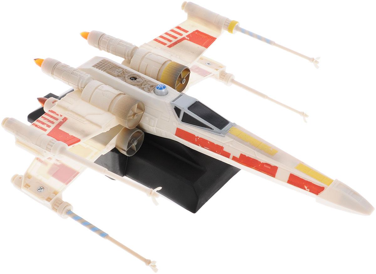"""Уникальный космический корабль на радиоуправлении Air Hogs """"Star Wars: X-Wing Starfighter"""" несомненно порадует каждого ребенка! Корпус игрушки выполнен из ударопрочного пластика, ей не страшны падения с потолка и стен. Корабль изготовлен в форме классического истребителя вселенной Звездных Войн: повстанческого X-Wing. Управляется игрушка при помощи дистанционного пульта, который задает направление полета при помощи лазерного луча. С помощью мощных вентиляторов машинки создается поле разряженного воздуха, благодаря которому она может передвигаться по ровной поверхности - например, стенам или потолку. Ваш ребенок часами будет играть с такой игрушкой, придумывая различные истории и устраивая соревнования. Порадуйте его таким замечательным подарком! Работает истребитель от встроенного аккумулятора, который, в свою очередь, заряжается от пульта управления. Для работы пульта управления необходимо купить 6 батареек напряжением 1,5V типа АА (не входят в..."""