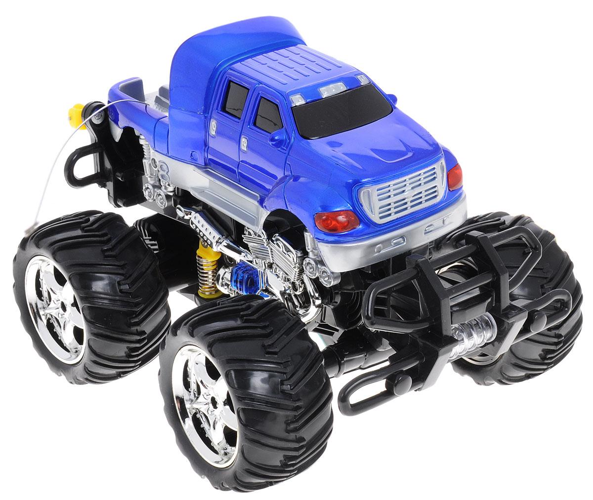 """Машина на радиоуправлении PlaySmart """"Фристайл Dance"""" станет отличным подарком для юного любителя автомобильного транспорта. Миниатюрный внедорожник будет изо дня в день радовать ребенка, ведь машина оснащена световыми и звуковыми эффектами, а самое главное, она умеет танцевать! Машинка может подниматься на задние колеса, крутиться """"волчком"""" и маневрировать на бешеной скорости. 12 функций машинки: вперед, назад, влево, вправо, наклон, вращение, свет колес, цветомузыка, танец, 3 мелодии, сигнал, сирена. Пульт управления работает на частоте 27 MHz. Игрушка работает от сменного аккумулятора (в комплекте). Для работы пульта управления необходима 1 батарейка типа """"Крона"""" (товар комплектуется демонстрационной)."""