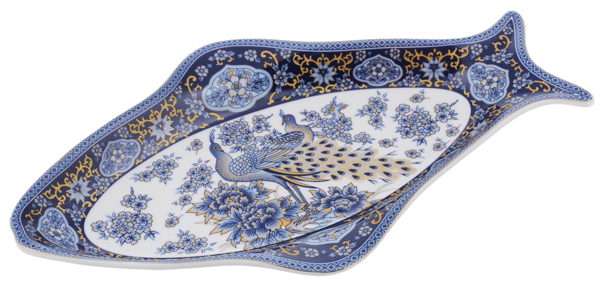 Селедочница Elan Gallery Павлин 27 см х 16 см х 3 смVT-1520(SR)Селедочница Elan Gallery Павлин изготовлена из высококачественной керамики в форме рыбки и украшена изысканным орнаментом. Изделие идеально подходит для сервировки сельди в нарезке, а также разных видов закусок. Изумительное сервировочное блюдо-селедочница из коллекции Павлин станет изысканным украшением вашего праздничного стола.Изделие упаковано в подарочную упаковку, идеальный подарок для ваших близких!Не использовать в микроволновой печи.