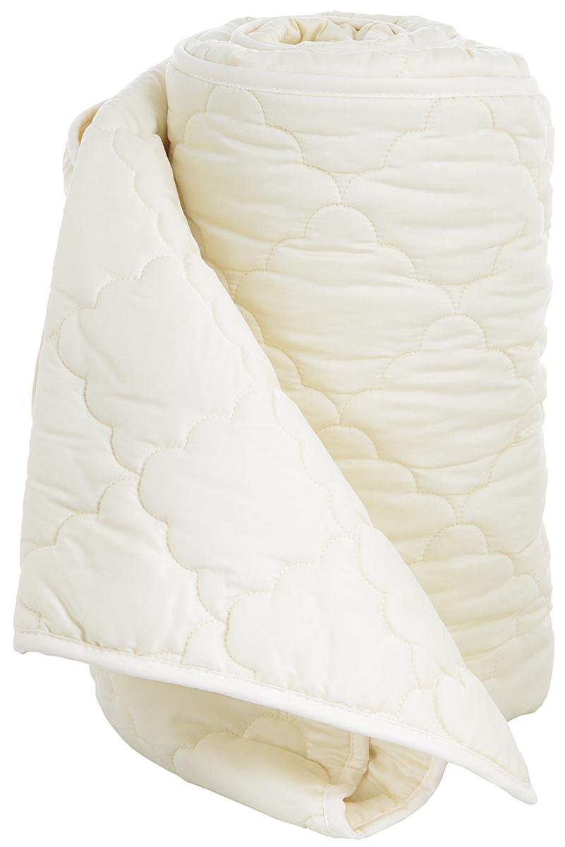 Одеяло Togas Gold, наполнитель: хлопок, цвет: экрю, 140 х 200 см98520745Одеяло Togas Gold выполнено из натуральных материалов. Чехол из бамбукового волокна имеет приятный цвет. Природа щедро наделила бамбук уникальными качествами, которые стали доступны нам благодаря развитию современных технологий. Одеяло из бамбукового волокна - настоящая кладовая здоровья, неисчерпаемый источник молодости и жизненных сил. Бамбук - экологически чистый продукт. Его природные антибактериальные свойства, обусловленные наличием в составе волокон сильного антисептика, знамениты на весь мир. Примерно 95% бактерий, попавших на бамбуковое волокно, умирают в течении 24 часов. Бамбуковое волокно мягкое и приятное на ощупь, по виду напоминает шелк и кашемир. Одно из главных свойств бамбука - его гипоаллергенность: он безопасен для людей с самой чувствительной кожей и особенно подходит маленьким детям. Наполнитель одеяла - натуральный хлопок - высокопрочный, самый популярный в мире натуральный материал, известный своими впитывающими и терморегулирующими свойствами. Волокна хлопка на 90% состоят из целлюлозы, которая отличается высокой гигроскопичностью. В отличие от искусственных наполнителей, хлопок позволяет телу дышать, а значит, долгое время сохраняет свежесть и чистоту. Это одеяло поистине совершенно, ведь в нем объединились новейшие технологии - и безграничная сила природы.Рекомендации по уходу:- Не подвергать химической чистке для сохранения уникальных природных свойств бамбукового волокна.- Рекомендуется машинная стирка в щадящем режиме с обычными моющими средствами при температуре не выше 30°С, без последующего отжима в центрифуге. - Вручную не отжимать. - Сушить в горизонтальном положении. - Периодически взбивать и проветривать.Размер: 140 см х 200 см.