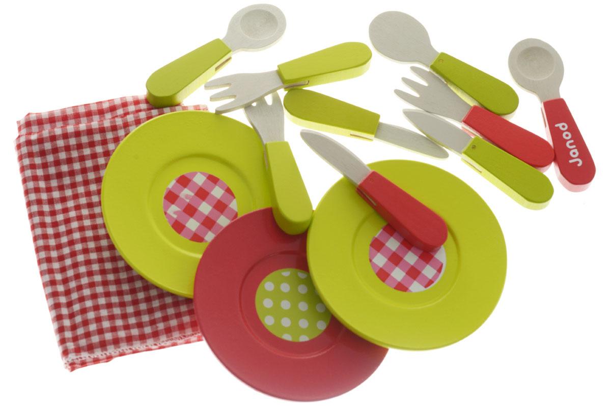 """Замечательный, очень изысканный набор посуды Janod """"Пикник"""" прекрасно подойдет ребенку для веселых игр. В комплекте посуда для кукольного пикника на 4 персоны: 4 тарелочки, 4 стаканчика, 4 ложечки, 4 вилочки, 4 ножа и текстильная скатерть. Самые натуральные и безопасные игрушки для малышей и детей постарше премиум-класса. Все игрушки и игровые наборы сделаны из натуральной древесины или картона и выкрашены нетоксичными красками. Такой набор станет прекрасным дополнением к игровой ситуации с приглашением гостей к столу. Игрушки Janod выставляют на международных выставках под маркой """"green toys"""" (""""зеленые игрушки"""", т.е. экологически безопасные). Рекомендуемый возраст: от 3 до 8 лет."""