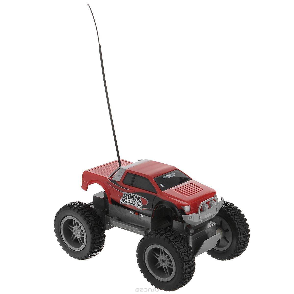 """Радиоуправляемая модель Maisto """"Вездеход Rock Crawler 4х4"""" с ярким привлекающим внимание дизайном обязательно понравится всем любителям машин, в особенности внедорожников. Машинка имеет повышенную проходимость за счет полного привода 4х4, прекрасно передвигается по бездорожью и легко может покорить скалу. Джип имеет мягкую пружинную независимую подвеску с длинным ходом и большие колеса. Машинка двигается вправо, влево, вперед и назад. Управление с помощью дистанционного пульта (поставляется в комплекте). Радиус действия пульта до 15 м. В комплекте инструкция по эксплуатации на русском языке. Необходимо докупить 6 батареек 1,5V типа АА (в комплект не входят)."""