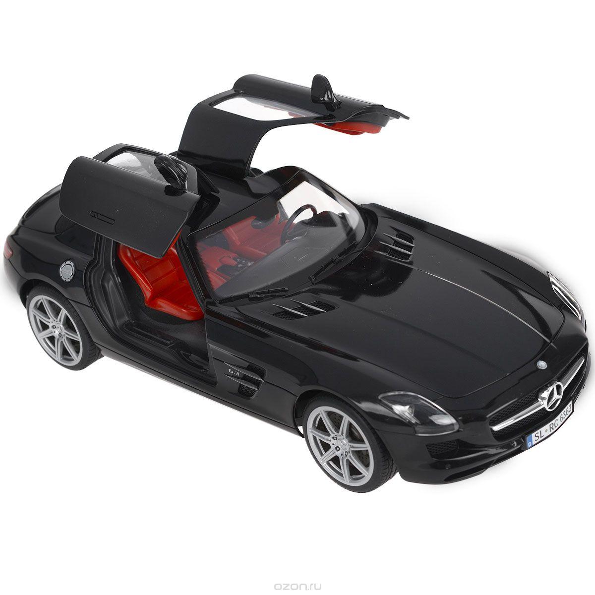 """Радиоуправляемая модель Silverlit """"Машина Mercedes-Benz"""" со световыми и звуковыми эффектами непременно понравится не только ребенку, но и взрослому. Модель представляет собой точную копию машины Mercedes-Benz черного цвета в масштабе 1:16. Машина работает путем управления через BlueTooth, а своеобразным пультом послужит ваш iPod, iPad или iPhone. Скачайте специальное программное обеспечение на ваше электронное устройство, и вы готовы к гонке! Машина может двигаться во всех направлениях. Управление происходит с помощью кнопок, отображающихся на экране вашего iPod, iPad или iPhone в руках, а также путем простого поворота электронного устройства в руках. Путь машины отображается на экране устройства, что создает впечатление реального присутствия в салоне. Машина способна воспринимать сигнал даже вне поля видимости устройства, что позволяет игроку объезжать различные препятствия. Функция подсветки фар, габаритных огней, поворотников и стоп-сигналов и реалистичные звуки..."""