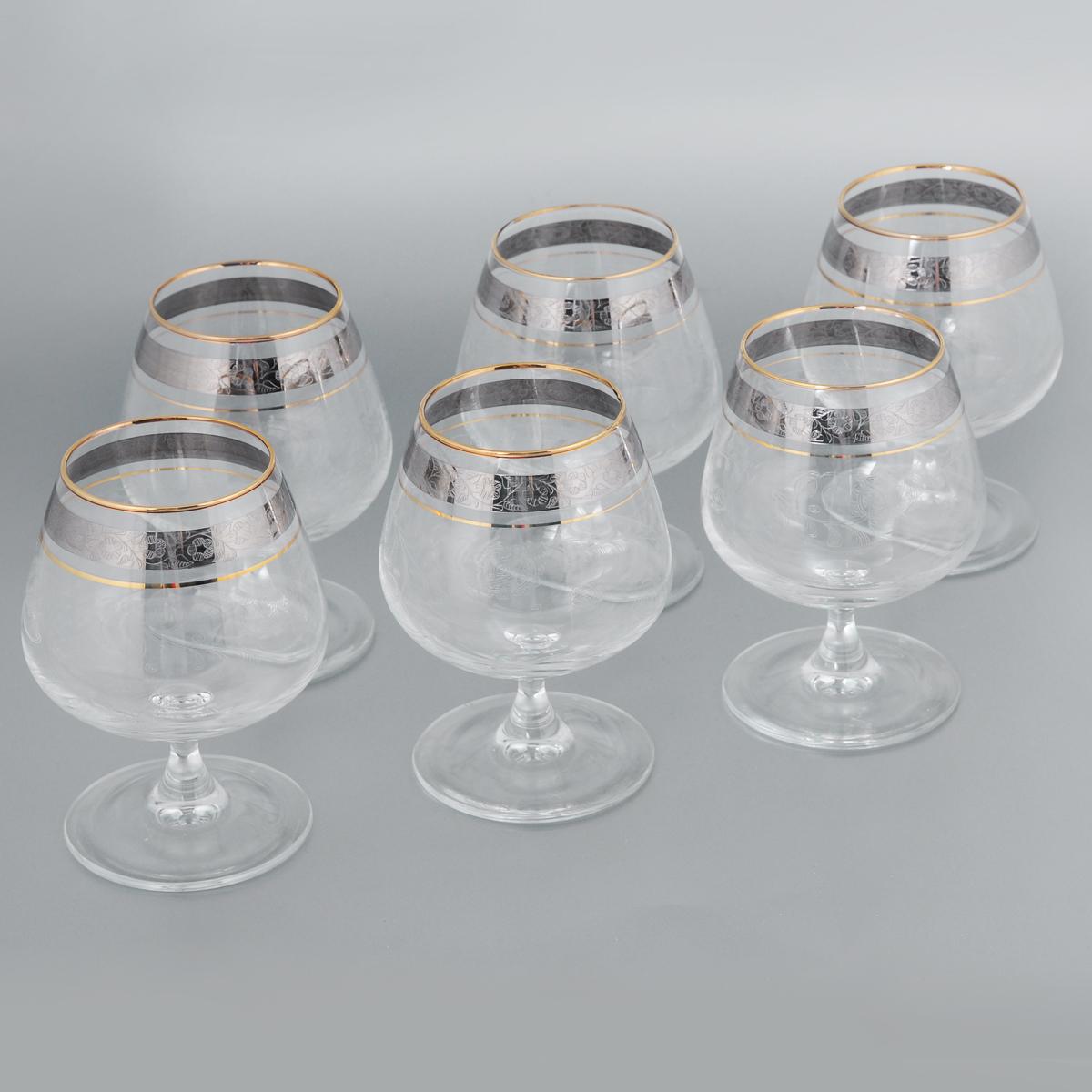 Набор бокалов для бренди Гусь-Хрустальный Нежность, 410 мл, 6 штVT-1520(SR)Набор Гусь-Хрустальный Нежность состоит из 6 бокалов на низкой ножке, изготовленных из высококачественного натрий-кальций-силикатного стекла. Изделия оформлены красивым зеркальным покрытием и прозрачным орнаментом. Бокалы предназначены для подачи бренди. Такой набор прекрасно дополнит праздничный стол и станет желанным подарком в любом доме. Можно мыть в посудомоечной машине. Диаметр бокала (по верхнему краю): 6,3 см. Высота бокала: 13 см. Диаметр основания бокала: 8 см.