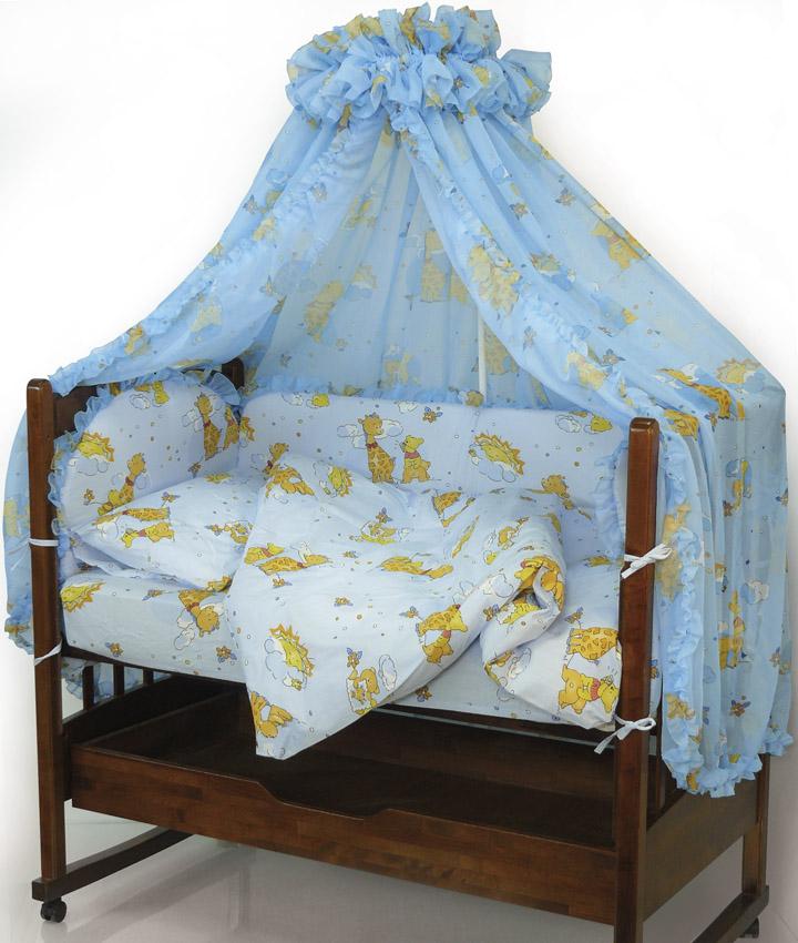 Топотушки Комплект детского постельного белья Жираф Вилли цвет голубой 7 предметов4630008870952Комплект постельного белья из 7 предметов включает все необходимые элементы для детской кроватки. Комплект создает для Вашего ребенка уют, комфорт и безопасную среду с рождения, современный дизайн и цветовые сочетания помогают ребенку адаптироваться в новом для него мире. Комплекты «Топотушки» хорошо вписываются в интерьер как детской комнаты, так и спальни родителей. Как и все изделия «Топотушки» данный комплект отражает самые последние технологии, является безопасным для малыша и экологичным. Российское происхождение комплекта гарантирует стабильно высокое качество, соответствие актуальным пожеланиям потребителей, конкурентоспособную цену. Комплектация:Балдахин 450 х 180 смБорт 360 х 50 см (из 4-х частей на молнии, наполнитель – холлофайбер)Подушка 40 х 60 см (наполнитель – холлофайбер)Наволочка 40 х 60 смОдеяло 100 х 140 см (наполнитель – холлофайбер)Пододеяльник 104 х 146 смПростыня 60 х 120 смУважаемые клиенты! Обращаем ваше внимание на тот факт, что на бампер идет без рюш. Комплект, изображенный на фото, служат для визуального восприятия товара.