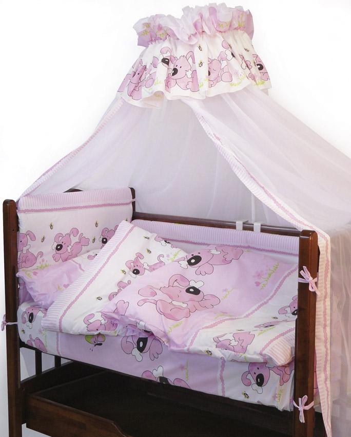 Топотушки Комплект детского постельного белья Дружок цвет розовый 7 предметов531-105Комплект постельного белья из 7 предметов включает все необходимые элементы для детской кроватки.Комплект создает для Вашего ребенка уют, комфорт и безопасную среду с рождения; современный дизайн и цветовые сочетания помогают ребенку адаптироваться в новом для него мире. Комплекты «Топотушки» хорошо вписываются в интерьер как детской комнаты, так и спальни родителей.Как и все изделия «Топотушки» данный комплект отражает самые последние технологии, является безопасным для малыша и экологичным. Российское происхождение комплекта гарантирует стабильно высокое качество, соответствие актуальным пожеланиям потребителей, конкурентоспособную цену.Балдахин 3м (вуаль); охранный бампер 360х50см. (из 4-х частей, наполнитель – холлофайбер); подушка 40х60см. (наполнитель – холлофайбер); одеяло 140х110см. (наполнитель – холлофайбер); наволочка 40х60см; пододеяльник 147х112см; простынь 140х95см.