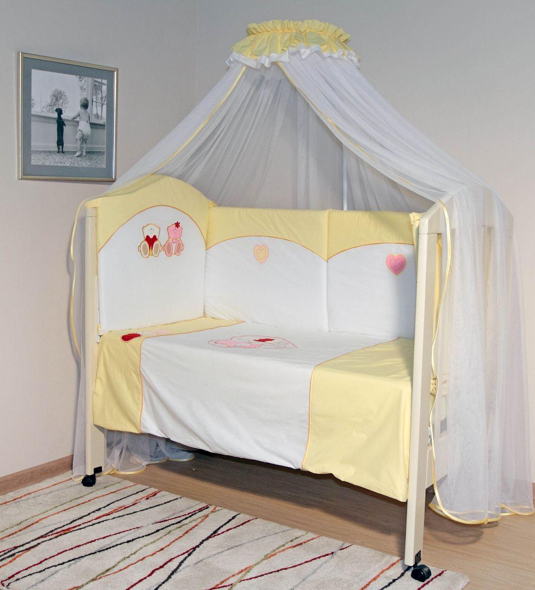 Топотушки Комплект детского постельного белья Николь цвет желтый 6 предметов531-105Комплект постельного белья из 6 предметов включает все необходимые элементы для детской кроватки.Комплект создает для Вашего ребенка уют, комфорт и безопасную среду с рождения; современный дизайн и цветовые сочетания помогают ребенку адаптироваться в новом для него мире. Комплекты «Топотушки» хорошо вписываются в интерьер как детской комнаты, так и спальни родителей.Как и все изделия «Топотушки» данный комплект отражает самые последние технологии, является безопасным для малыша и экологичным. Российское происхождение комплекта гарантирует стабильно высокое качество, соответствие актуальным пожеланиям потребителей, конкурентоспособную цену.Охранный бампер 360х50см. (из 4-х частей на молнии, наполнитель – холлофайбер); подушка 40х60см (наполнитель – холлофайбер); одеяло 140х110см (наполнитель – холлофайбер); наволочка 40х60см; пододеяльник 147х112см; простынь на резинке 120х60см.