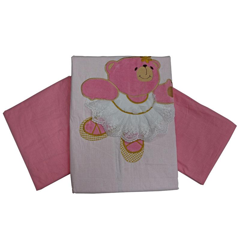 Топотушки Комплект детского постельного белья Софи цвет розовый4433Изысканный и нежный комплект для девочки!Создаст уют и комфорт в кроватке малышки, обеспечит ей крепкий и здоровый сон.Комплект украшен нарядной объёмной вышивкой - медвежатами. Когда малышка подрастёт, она сможет сама потрогать пальчиками персонажей, которые оберегали её сон с самых первых дней жизни.Сменный комплект постельного белья из 3 предметов для детской кроватки.Комплект создает для Вашего ребенка уют, комфорт и безопасную среду с рождения; современный дизайн и цветовые сочетания помогают ребенку адаптироваться в новом для него мире. Комплекты «Топотушки» хорошо вписываются в интерьер, как детской комнаты, так и в спальни родителей.Как и все изделия «Топотушки» данный комплект отражает самые последние технологии, является безопасным для малыша и экологичным. Российское происхождение комплекта гарантирует стабильно высокое качество, соответствие актуальным пожеланиям потребителей, конкурентоспособную цену.Наволочка 40х60 см, пододеяльник 147х112 см, простынь на резинке 120х60 см