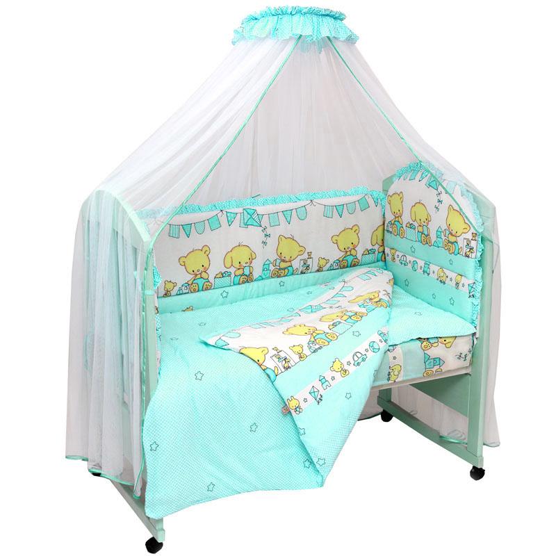Топотушки Комплект детского постельного белья Звездочка цвет бирюзовый 7 предметов531-105Комплект постельного белья из 7 предметов включает все необходимые элементы для детской кроватки.Комплект создает для Вашего ребенка уют, комфорт и безопасную среду с рождения; современный дизайн и цветовые сочетания помогают ребенку адаптироваться в новом для него мире. Комплекты «Топотушки» хорошо вписываются в интерьер как детской комнаты, так и спальни родителей.Как и все изделия «Топотушки» данный комплект отражает самые последние технологии, является безопасным для малыша и экологичным. Российское происхождение комплекта гарантирует стабильно высокое качество, соответствие актуальным пожеланиям потребителей, конкурентоспособную цену.Балдахин 5м (сетка); охранный бампер 360х50см. (из 4-х частей, наполнитель – холлофайбер); подушка 40х60см. (наполнитель – холлофайбер); одеяло 140х110см. (наполнитель – холлофайбер); наволочка 40х60см; пододеяльник 147х112см; простынь на резинке 120х60см