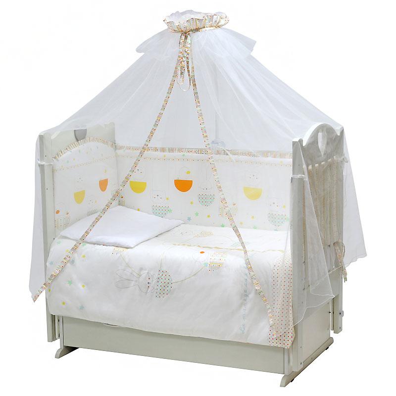Топотушки Комплект детского постельного белья Луна-парк цвет светло-бежевый 7 предметовS03301004Комплект постельного белья из 7 предметов включает все необходимые элементы для детской кроватки. Комплект создает для Вашего ребенка уют, комфорт и безопасную среду с рождения; современный дизайн и цветовые сочетания помогают ребенку адаптироваться в новом для него мире. Комплекты «Топотушки» хорошо вписываются в интерьер как детской комнаты, так и спальни родителей. Как и все изделия «Топотушки» данный комплект отражает самые последние технологии, является безопасным для малыша и экологичным. Российское происхождение комплекта гарантирует стабильно высокое качество, соответствие актуальным пожеланиям потребителей, конкурентоспособную цену.Балдахин 4,5м (сетка); охранный бампер 360х40см. (из 4-х частей, наполнитель – холлофайбер); подушка 40х60см. (наполнитель – холлофайбер); одеяло 140х110см. (наполнитель – холлофайбер); наволочка 40х60см; пододеяльник 147х112см; простынь на резинке 120х60см