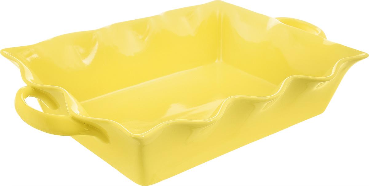 Форма для выпечки Frybest Provance, прямоугольная, цвет: желтый, 37 х 22 х 8,5 см94672Прямоугольная форма для выпечки Frybest Provance изготовлена из экологически чистой глазурованной керамики, не выделяет вредных химических веществ во время готовки. Форма равномерно нагревается и долго сохраняет тепло, за счет чего блюда получаются изумительно нежными и сочными и сохраняют все витамины и микроэлементы. 180°С - оптимальная температура для медленного томления.Форма имеет волнистые края, высокие стенки и две удобные ручки. Идеально подходит для семейных ужинов и праздников, эта форма станет хорошим украшением стола - готовое блюдо не нужно перекладывать в другую посуду. Форма подходит для приготовления блюд в духовке (до 180°С) и микроволновой печи, можно мыть в посудомоечной машине. Внутренний размер формы: 32 х 22 см. Размер формы (с учетом ручек): 37 х 22 см. Высота стенки: 8,5 см.