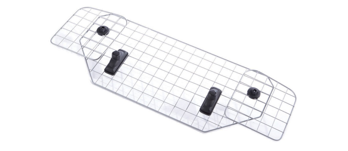 Сетка для собак Mesh Headrest, MB691141984В течение 60-ти лет шведская компания MontBlanc занимает одно из ведуших мест на рынке как производитель, разработчик и поставщик багажников на крышу автомобиля мирового класса. В тесном сотрудничестве с ведущими производителями автомобилей MontBlanc конструирует автобагажники, специально предназначенные для конкретных моделей машин и удовлетворяющие самым высоким требованиям.Концепция MontBlanc - Сделай жизнь легче! - перекликается с философией компании, которая заключена в трёх словах – свобода, дизайн, безопасность. Многие ведущие мировые автомобильные компании выбирают автобагажники MontBlanc. Багажники Mont Blanc удобны, стильны, просты в установке, в плане подбора более просты, чем Thule, так как продаются уже готовым комплектом.Универсальный продукт для универсалов и хэтчбеков.